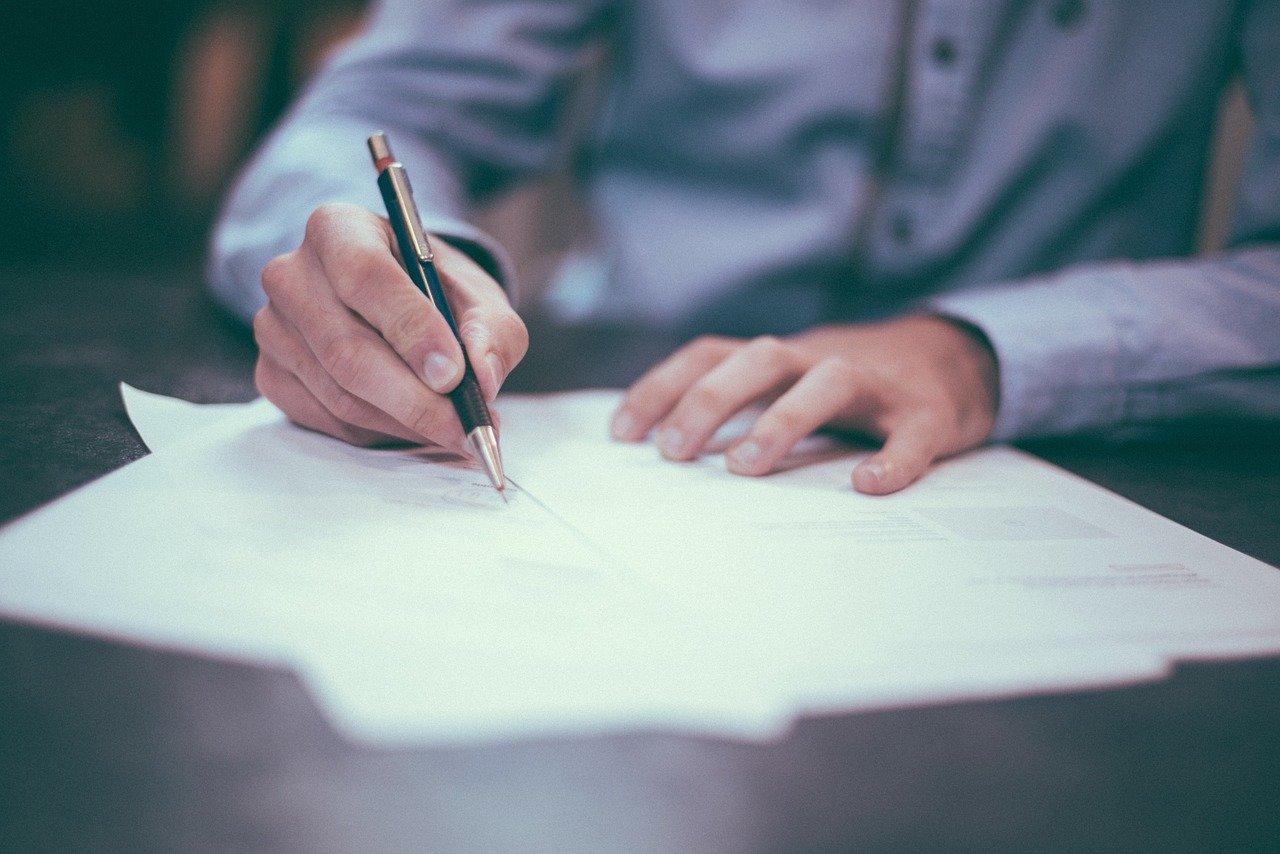 Sprawdź dokładnie warunki umowy przed nawiązaniem współpracy z agencją SEO